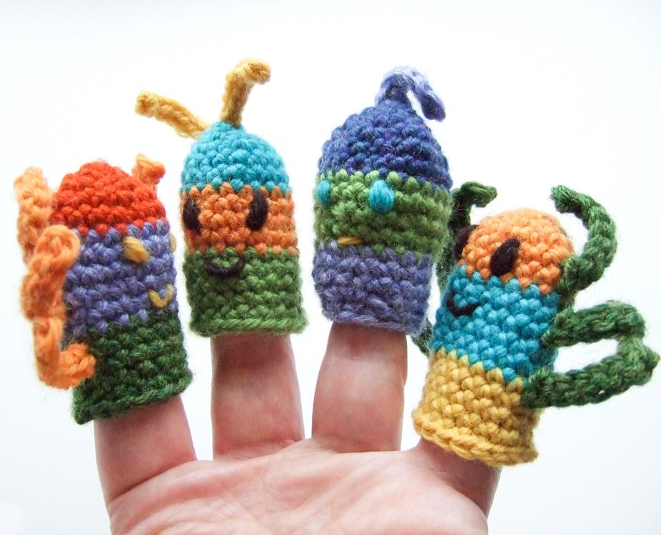 wiggly finger puppets | play with string